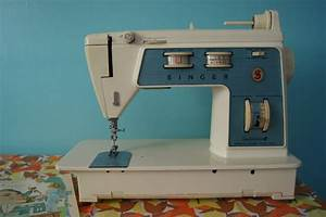 17 Best Images About Vintage Sewing Machines On Pinterest