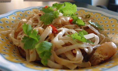 pad thai noodles pad thai noodles easy thai cooking part 1 chattering kitchen
