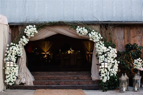 9 Beautiful Wedding Archway Designs For Entrances And
