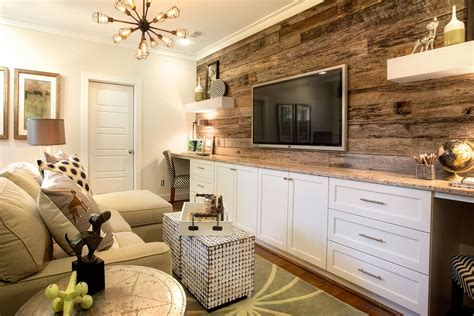 A Reclaimed Wood Accent Wall And Built-in Desks Elevate