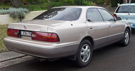 File19921994 Lexus Es 300 (vcv10r) Sedan (20100617) 02