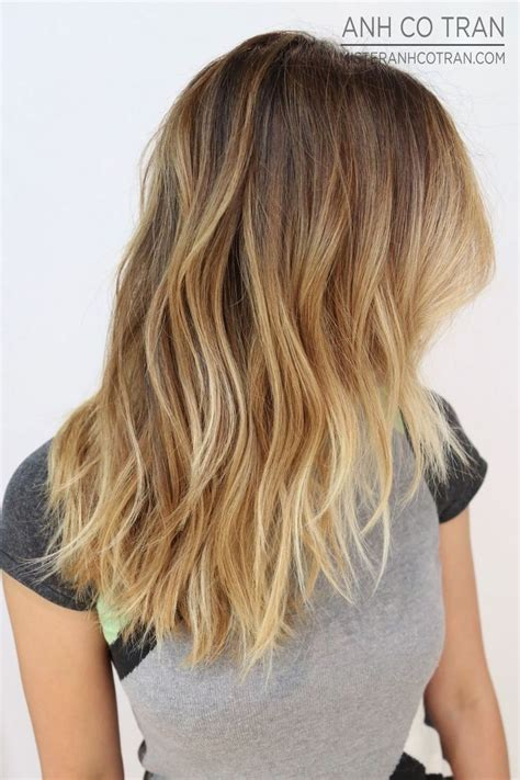 10 Hottest Layered Haircuts For Medium Hair Now Popular