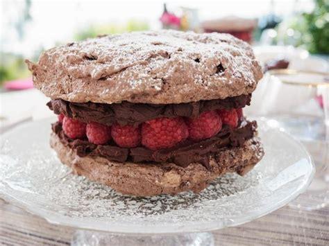 dark chocolate macaron cake recipe giada de laurentiis