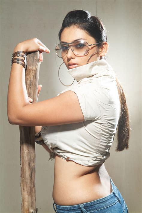 sab sexy actress namitha latest cute  spicy photo