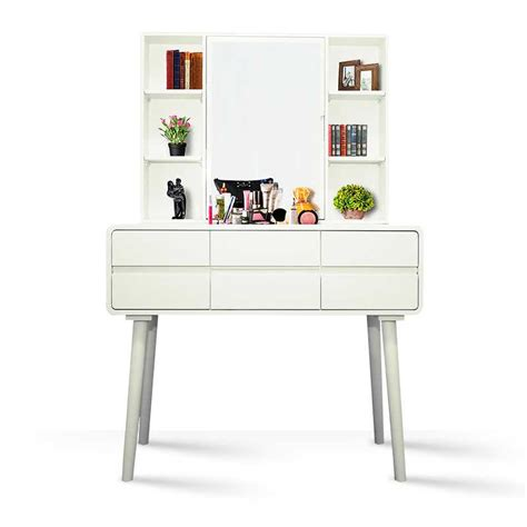 Meja komputer ini memiliki kualitas baik karena terbuat dari rangka besi yang kuat dan tahan lama. 30+ Model Meja Rias Simple Elegan, Yang Nyaman!