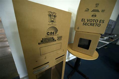 bureau de vote 14 les quatre principaux candidats pour succéder à correa