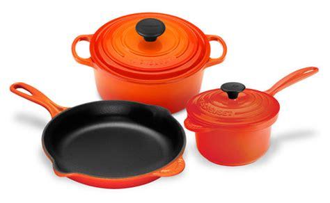 le creuset signature cast iron essential cookware set  piece flame cutlery