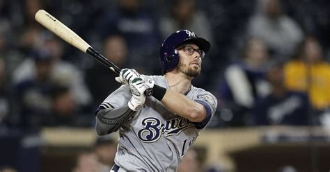 milwaukee brewers sign eric sogard   year contract