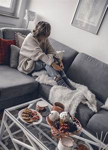 The Lazy Girl's Guide to decorating your living room for fall - Want Get Repeat