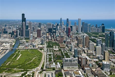 developer inks deal   mixed  chicago neighborhood