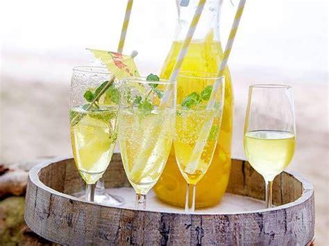 alkoholfreie cocktails selber machen limoncello spritz rezept getr 228 nke in 2019 limoncello