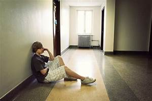 Is My Teenager Depressed? Recognizing the Symptoms of ...