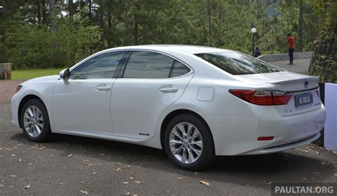 Driven 2013 Lexus Es 250 And 300h Sampled Image 219471