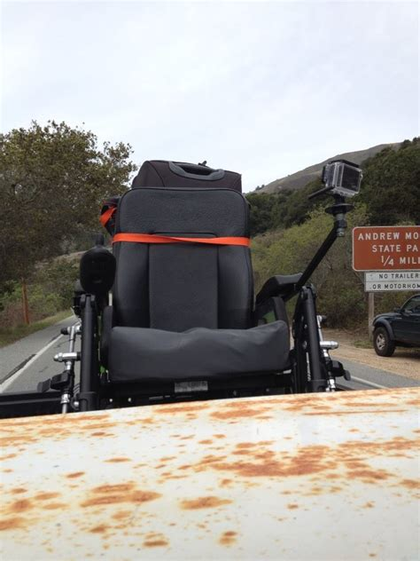 comment obtenir un fauteuil roulant ou comment mon fauteuil roulant s est retrouv 233 224 l arri 232 re d un truck am 233 ricain
