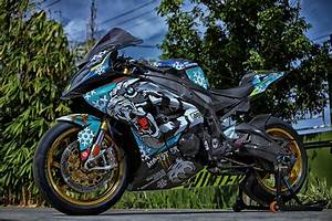 Bmw S1000rr 2018 : bmw s1000rr 2018 custom bigbike design by hugsticker customs motorcycles pinterest bmw ~ Medecine-chirurgie-esthetiques.com Avis de Voitures
