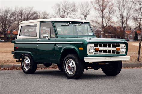 celebrating  years   ford bronco  continuous lean