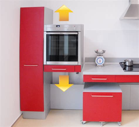 cuisine pour une personne innovation cuisine four réglable en hauteur dans une