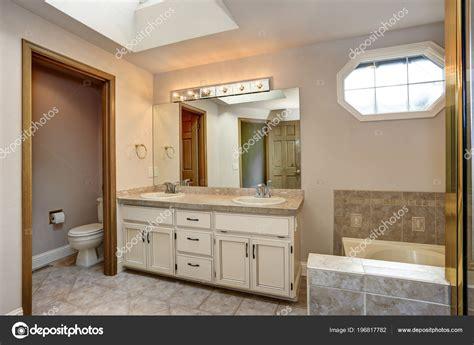 master bathroom dual vanity  wiki wallpapers