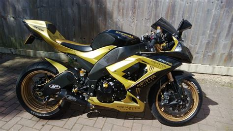 foto de Custom paint job monster graphics one off ZX10R