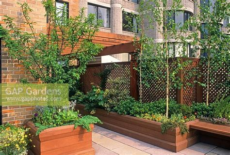 Roof Garden In New York. Large Wooden