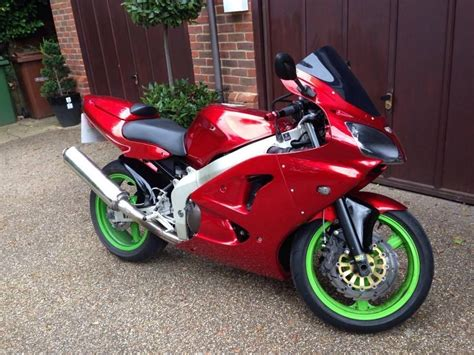 foto de Kawasaki Ninja 600 Amazing custom paint job New MOT