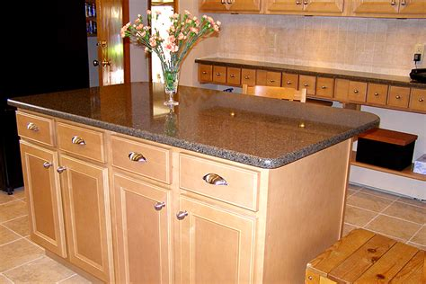 quartz countertops with maple cabinets maple kitchen cabinets with quartz countertop