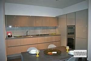 Casa a righe for Cucine angolari offerte