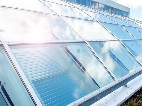 hitzeschutz fenster außen hitzeschutz dachfenster innen dachfenster thermo rollos f r velux fenster sonnenschutz sun