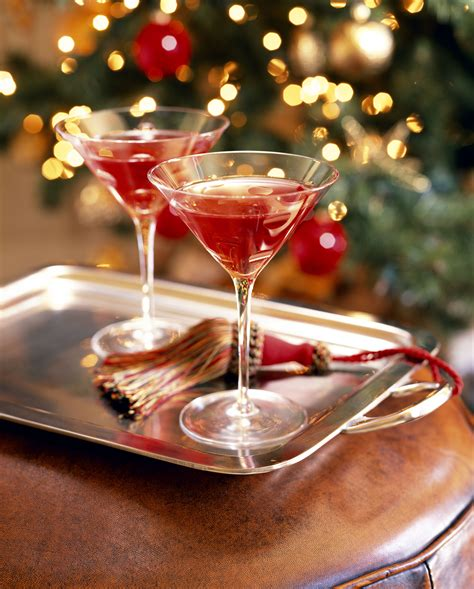 christmas cocktails holiday cocktail recipes best holiday cocktails from hotels