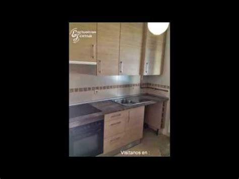 muebles de cocina en color madera  encimera de formica