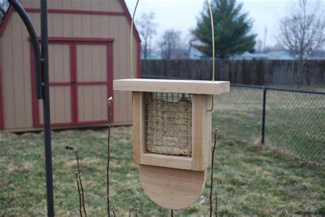 suet bird feeder woodlogger