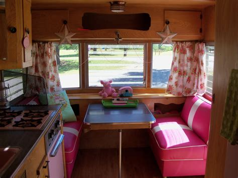 Decorating Ideas Vintage Travel Trailer by Junkylicious