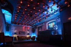 Bar Mit Tanzfläche Berlin : club am alexanderplatz mieten hochwertige bar mit tanzfl che ~ Markanthonyermac.com Haus und Dekorationen