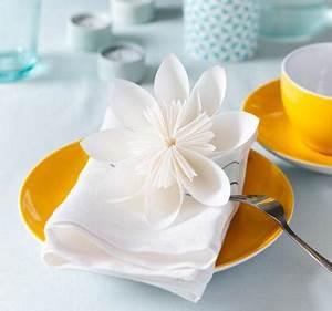 Blüten Aus Papier : blume aus papier falten bild 12 living at home ~ Eleganceandgraceweddings.com Haus und Dekorationen
