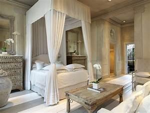 Bedroom Drama: 18 Canopy Bed Designs - Dk Decor