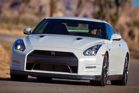 2015 nissan gt r new car review autotrader