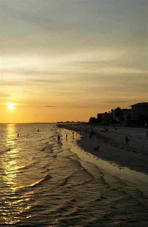 dream beach vacation  fort myers beach florida