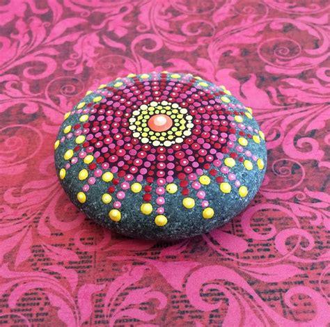 Eine Farbenfrohe Zimmer Und Gartendeko Mit Steinen by Eine Farbenfrohe Zimmer Und Gartendeko Mit Steinen Boho