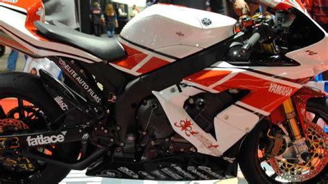 Yamaha Yzf R1 Racing Modified Walk Around Video. Sexy