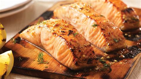 cuisiner les c es saumon moutarde érable grillé sur planche