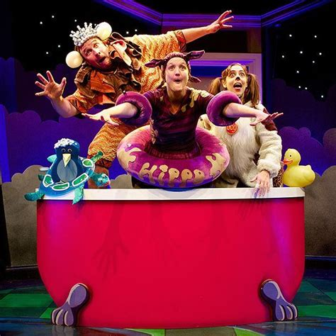 big red bath  snow dog childrens theatre shows set