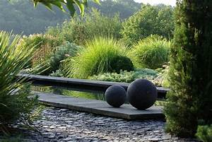 Jardin Avec Bassin : jardin contemporain avec bassin en ardoise 2 ~ Melissatoandfro.com Idées de Décoration