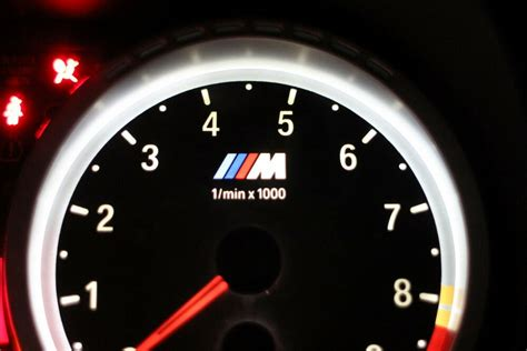 bmw        custom light   logo dial