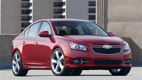 Compact Cars To Outsell Mid-size Cars