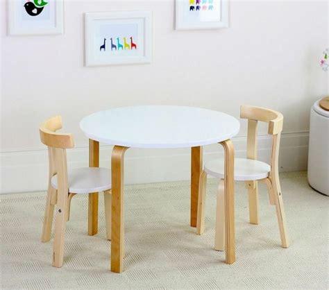 Tisch Und Stuhl Kindermöbel by Kindertisch Und St 252 Hle Gestalten Sie Einen Entz 252 Ckenden