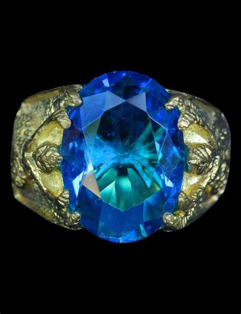 แหวนครุฑมหานิยม หัวพลอยสีฟ้าเข็ม ลป.เส็ง รุ่น 1 - พระเมือง ...