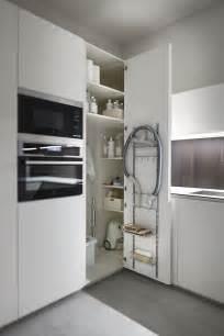 eckschränke küche die 25 besten ideen zu kücheneckschrank auf küchenecke eckschrank küche und