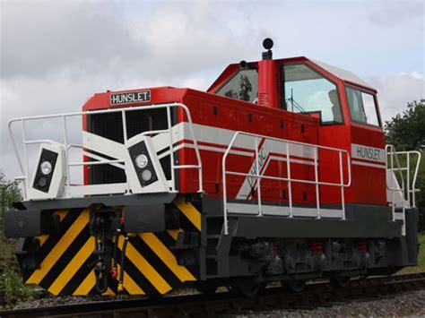 Shunter targets industrial market - Railway Gazette