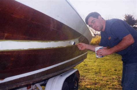 Plastic Boat Bottom Paint by How To Paint A Fiberglass Boat Hull