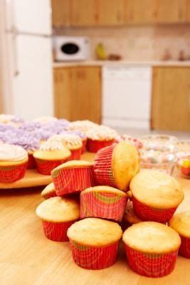 store cakes  cupcakes  frosting cooking